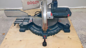 SCIE A ONGLET BOSCH 12 po COMPOUND MITER SAW GOOD CONDITION 15A