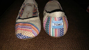 TOMS Brand New Ladies Shoes, size 8