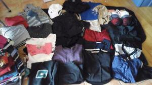Lot de vêtements - 75 pièces +
