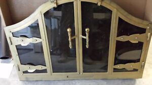 Fireplace door with screen - Porte pour foyer avec paravent