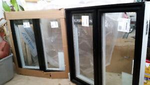 2 fenêtres noir neuve