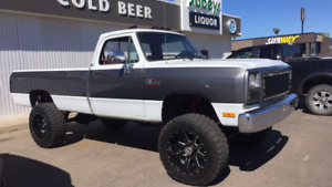 1993 Dodge Ram 2500 LE 4x4 5 Speed