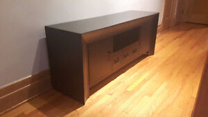TV unit / buffet / entertainment table.