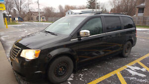 2008 Chrysler Town & Country $4,500!