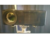 Projector and screen - like new - £120