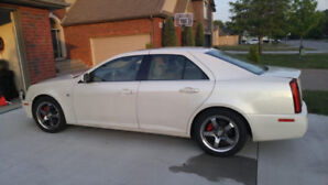 2005  Cadillac STS V8 with extra set of Rims &  new all seasons