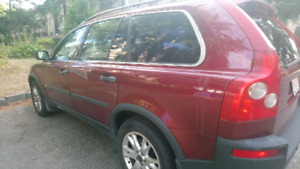 Red volvo xc90 T6
