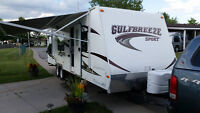29 Ft - 2011 Gulf Breeze 27 BKS Travel Trailer with Slide