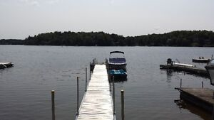 Cottage for rent, private spa, Lakefront, dock, babyfoot, poker