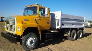 L8000 Dump Truck
