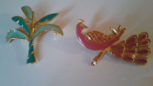 Vintage Brooches Lot