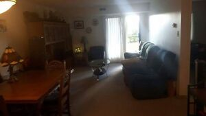 1 bedroom with patio & seasonal pool for sublet
