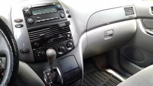 2010 Toyota Sienna ce Minivan, Van