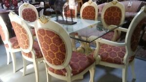 Dining set with 8 chairs/hutch