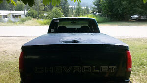 -----UPDATED---- Chevy/ GMC Tonneau cover / Christina Lake