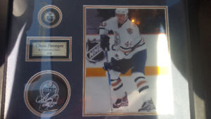 Chris Pronger framed picture with hand signed puck