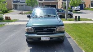 1998 Ford Explorer Limited SUV, Crossover