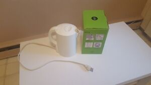 Almost new Kettle HOT PRICE **$10,00**