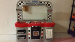 Play kitchen diner & accessories