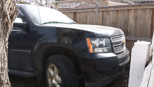 2008 chevy avalanche ltz with some damage
