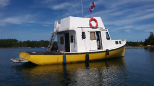 Cottage on the Water - Cape Boat