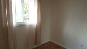 Room for rent $450 – 9x8.5 room in west end townhouse
