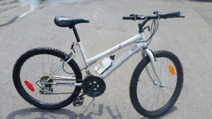 FOR SALE ==GOOD BICYCLE