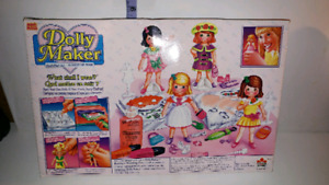 Vintage Dolly maker designer set. New!