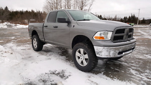 Lifted 2010 dodge ram