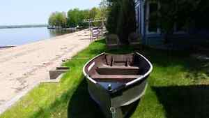 Fishing/hunting boat