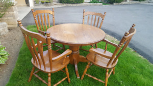Solid Oak Kitchen Table and 4 Arm Chairs