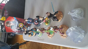 Disney infinity 3.0 with 6 extra figures for ps4