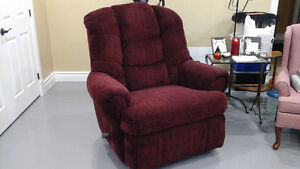 KING SIZE LAZY BOY RECLINER CHAIR