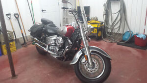 2005 Yamaha V-Star 650 motorcycle bike with accessories