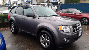 2011 Ford Escape XLT SUV - LOW KMS