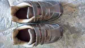 Boys size 9 toddler shoes - SmartFit London Ontario image 1
