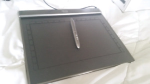 Adesso Cybertablet Z12 drawing tablet