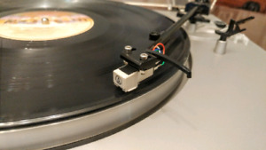 CEC ST-110 turntable stereo record player