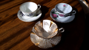 Ensemble tasse et soucoupe vintage