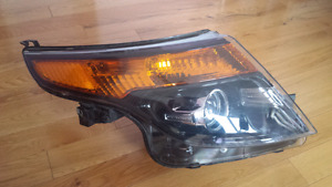 Ford Explorer Right Headlight 2011 - 2015