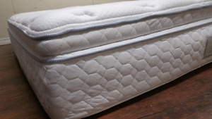 King mattress europillowtop, almost 2 feet high 370$ delivery 50