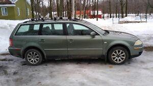 très très propre  Volkswagen Passat 2002, toit ouvrant Familiale