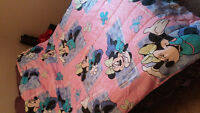 Minnie Mouse blanket & pillow