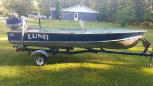 14 ft Lund fishing boat