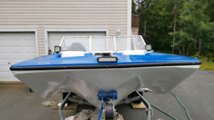 15.5ft. Sunray tri-hull bowrider with 100hp evinrude