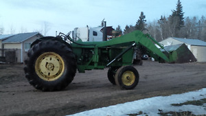 John Deere 4010 Tractor, Rebuilt Diesel engine with loader