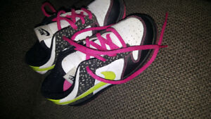 Toddler size 10 nike shoes like new hardly warn