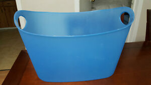 Bathroom Bucket for bath toys Belleville Belleville Area image 1
