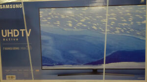 "Brand new 55"" Samsung UN55KU7000 4K Ultra HD Smart LED TV"
