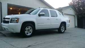 2008 Chevrolet Avalanche must sell!! safetied!